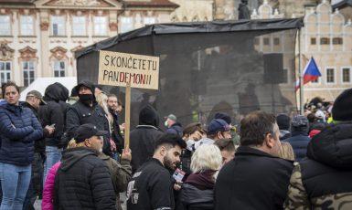 Demonstrace na Staroměstském náměstí (Alena Spálenská)
