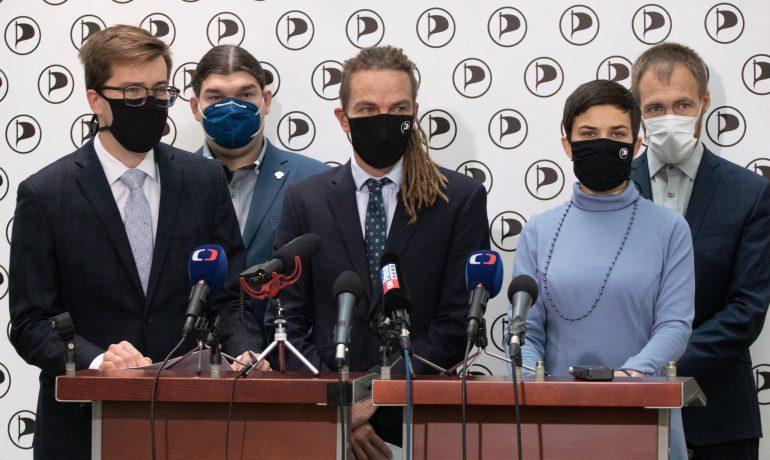 Poslanci za Pirátskou stranu (ČTK)