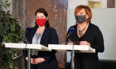 Ministryně práce a sociálních věcí Jana Maláčová (ČSSD) a ministryně financí Alena Schillerová (ANO) (ČTK)