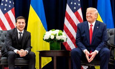 Volodymyr Zelenskyj a Donald Trump během setkání v New Yorku (září 2019) (wikipedie)