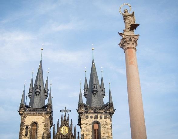 Staroměstské náměstí v Praze  je mimořádný veřejný prostor (Forum 24)