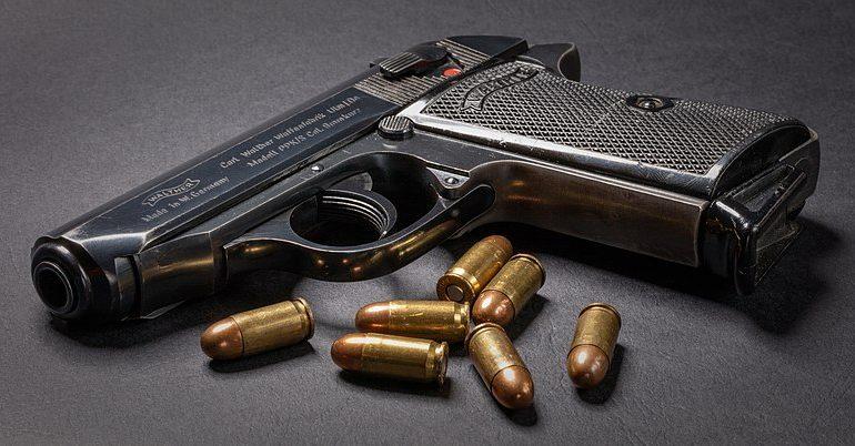 Zbraň Jamese Bonda – pistole Walther PPK (Tomas Castelazo)