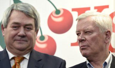 Předseda KSČM Vojtěch Filip a bývalý místopředseda Josef Skála (ČTK)
