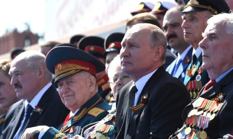 Vladimir Putin na přehlídce ke Dni vítězství  (Kremlin.ru)
