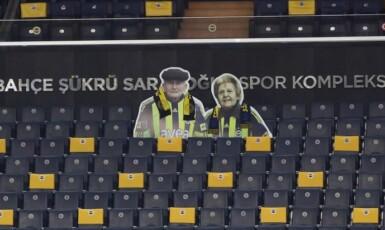 Pocta zesnulým fanouškům Fenerbahce Istanbul. (Twitter @Fenerbahce)