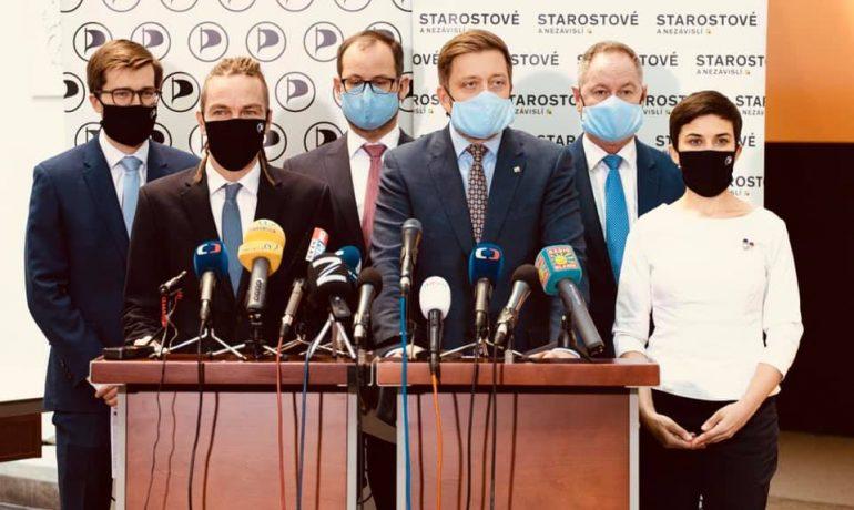 Představitelé Pirátské strany a hnutí STAN (Piráti)