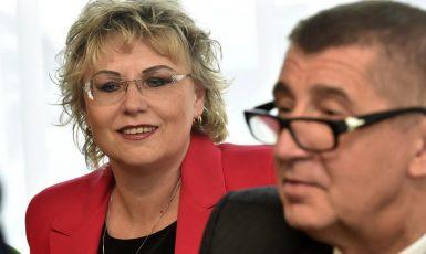 Poslankyně Margita Balaštíková a premiér Andrej Babiš (oba ANO) (ČTK)