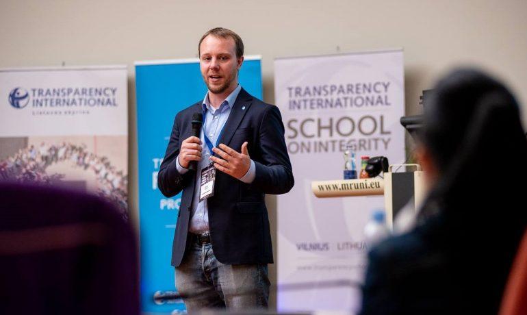 Poslanec Evropského parlamentu Daniel Freund z Výboru pro rozpočtovou kontrolu (FB Daniela Freunda)