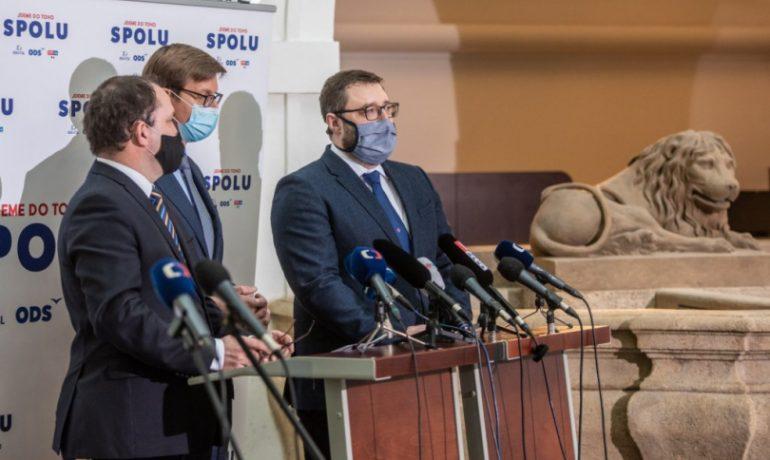 Tisková konference AntiCovid týmu Marek Výborný, Martin Kupka, Lukáš Otys (Twitter MPA, Veronika Rejmanová)