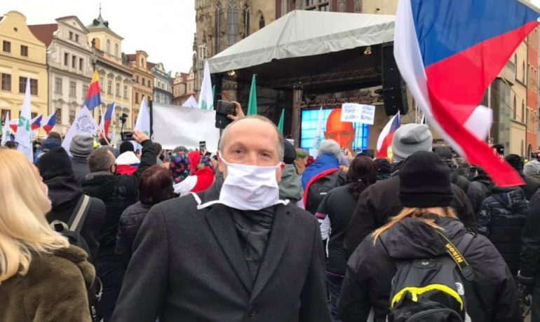 Twitter a facebook Václava Klause mladšího