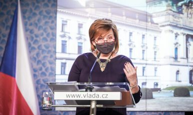 Alena Schillerová po jednání vlády (Úřad vlády ČR)