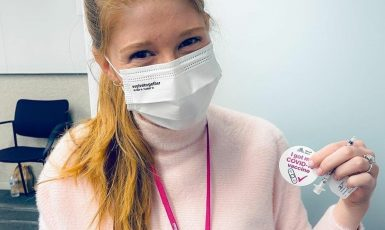 Dcera Billa Gatese Jennifer využila jako studentka medicíny možnosti přednostního očkování.  (Jennifer Gates)