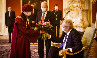 Prezident Miloš Zeman a výkon jeho funkce (Twitter Jiřího Ovčáčka)
