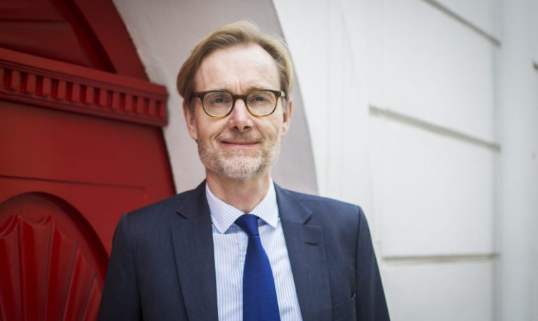 Dánský velvyslanec Ole Frijs-Madsen (Alena Spálenská)
