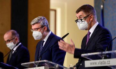 Ministr zdravotnictví Jan Blatný, místopředseda vlády Karel Havlíček a předseda vlády Andrej Babiš (všichni ANO) (ČTK)