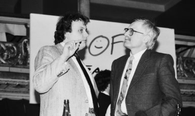 """Šedá zóna z """"prognosťáku"""": V. Dlouhý a V. Klaus na sněmu OF v Praze (1991) (ČTK (Michal Doležal))"""