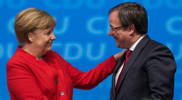 Kancléřka Angela Merkelová a nový předseda CDU Armin Laschet (profimedia.cz)