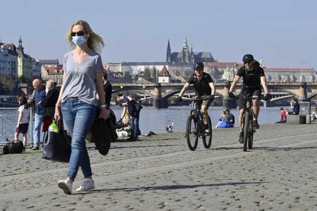 Náplavka Rašínova nábřeží v Praze (ČTK)