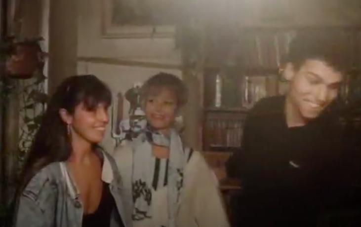 V roce 1989 si nejbohatší Čech Petr Kellner zahrál ve filmu Čes sluhů. (YouTube.com)