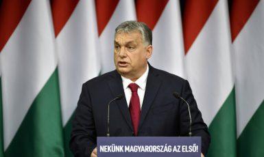 Maďarský premiér Viktor Orbán v Budapešti (2020) (ČTK/AP/Zsolt Szigetvary)