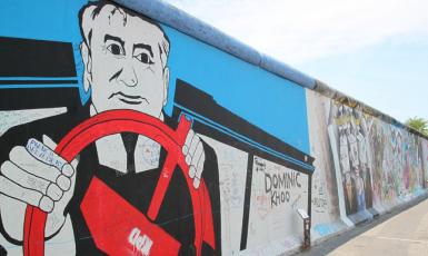 Michail Gorbačov ztvárněný na zbytcích Berlínské zdi  (Pixabay / Cocoparisienne)