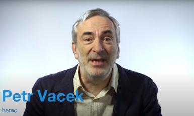 Herec Petr Vacek v komunikační kampani Nemocnice Slaný (Nemocnice Slaný, komunikační kampaň)