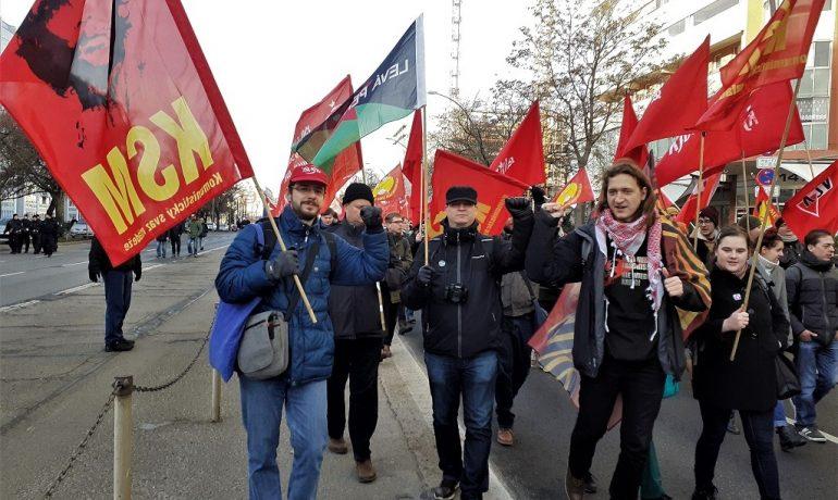 Komunistický svaz mládeže má za cíl uvádět mladé lidi do komunistického hnutí (Komunistický svaz mládeže)