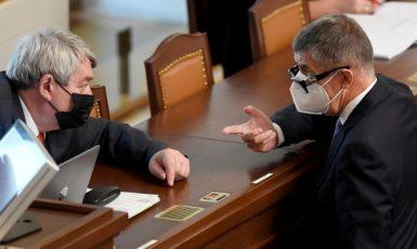 Předseda KSČM Vojtěch Filip a premiér Andrej Babiš (ANO)  (ČTK)