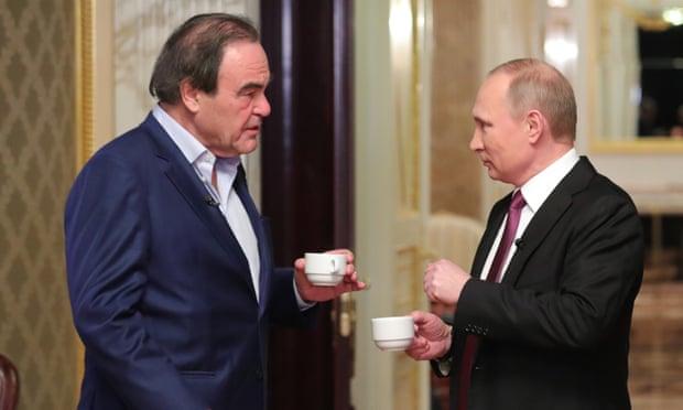 Ruský prezident Vladimír Putin a americký režisér Oliver Stone během natáčení oslavného filmu Svět podle Putina (Komandir/Showtime)