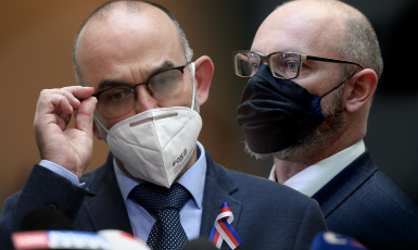 Ministr zdravotnictví Jan Blatný a ministr školství Robert Plaga (oba za ANO) (ČTK)