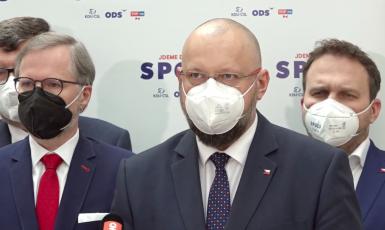 Petr Fiala (ODS), Jan Bartošek a Marian Jurečka (oba KDU-ČSL) (koalice SPOLU)