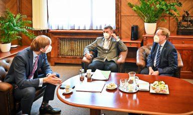 Adam Vojtěch, Andrej Babiš, Petr Arenberger (Vláda ČR)