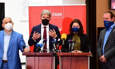 zástupci ČSSD na tiskové konferenci (ČSSD)