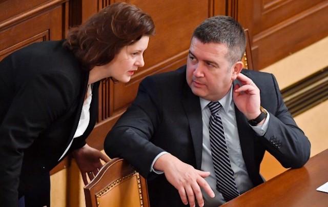 Ministryně práce a sociálních věcí Jana Maláčová a první místopředseda vlády, ministr vnitra a předseda ČSSD Jan Hamáček. (ČTK)
