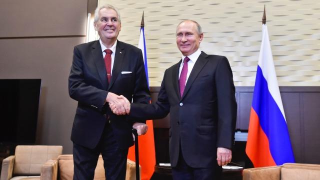 Miloš Zeman na návštěvě u Vladimira Putina v ruském Soči (2017). (ČTK/Šimánek Vít)
