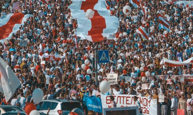 Demonstrace proti režimu běloruského diktátora Alexandra Lukašenka. (Pixabay/A_Matskevich)