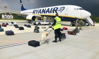 Letadlo společnosti Ryanair přinucené přistát v Bělorusku. (ČTK/AP/Uncredited)