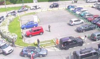 Demonstrující zablokovali příjezd k ČT (Se souhlasem Zdeňka Šarapatky)