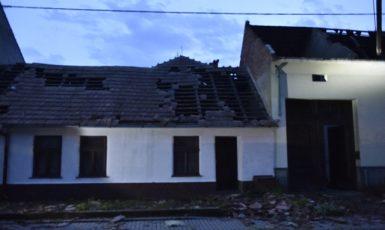 Silná bouře se 24. června 2021 přehnala Moravskou Novou Vsí na Břeclavsku (ČTK)