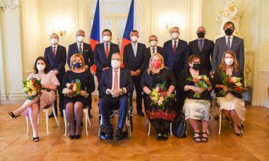 Prezident Zeman na pracovním obědě s představiteli vlády České republiky. (Kancelář prezidenta republiky)