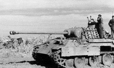 Tank Panther na východní frontě v roce 1944. (commons.wikimedia.org/CC BY-SA 3.0 de)