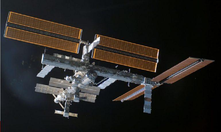 ISS, Mezinárodní kosmická stanice. (commons.wikimedia.org/public domain)