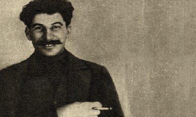 Josif Vissarionovič Stalin v době, kdy byl sám ještě za politiku ve vyhnanství. Zřejme rok 1915. (commons.wikimedia.org/public domain)