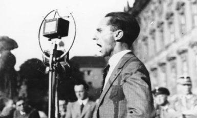 Joseph Goebbels ve svém živlu. Právě řeční. (commons.wikimedia.org/CC BY-SA 3.0 de)