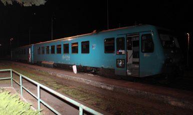 Kámen v kolejišti ohrozil životy cestujících ve vlaku (Policie ČR)