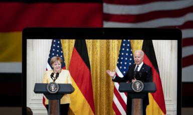 Tisková konference Bidena a Merkelové k plynovodu Nord Stream 2 v americkém Arlingtonu (15. 7. 2021) (ČTK/Xinhua/Liu Jie)
