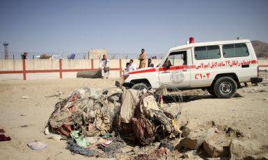 Při útoku na letišti v Kábulu přišlo o život nejméně 168 Afghánců a 12 amerických vojáků. (ČTK/Xinhua/Saifurahman Safi)