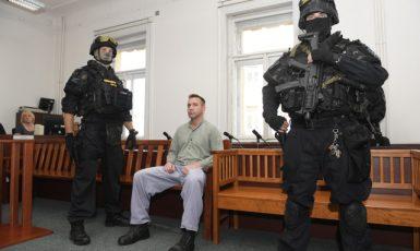 Již vloni stanul Alexej Fadějev před Městským soudem v Praze za vojenské aktivity na Donbasu (27. 7. 2020) (ČTK/Deml Ondřej)