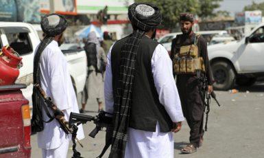 Bojovníci Tálibánu v afghánském Kábulu (16. 8. 2021) (ČTK/AP Photo/Rahmat Gul)