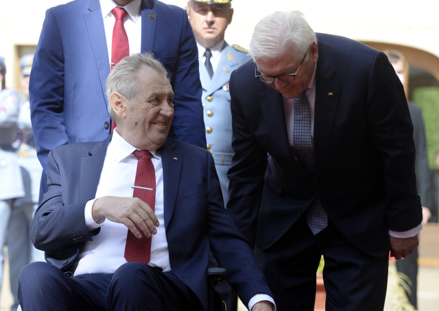 Miloš Zeman přivítal na Pražském hradě německého prezidenta Franka-Waltera Steinmeiera (26. 8. 2021) (ČTK/Šulová Kateřina)